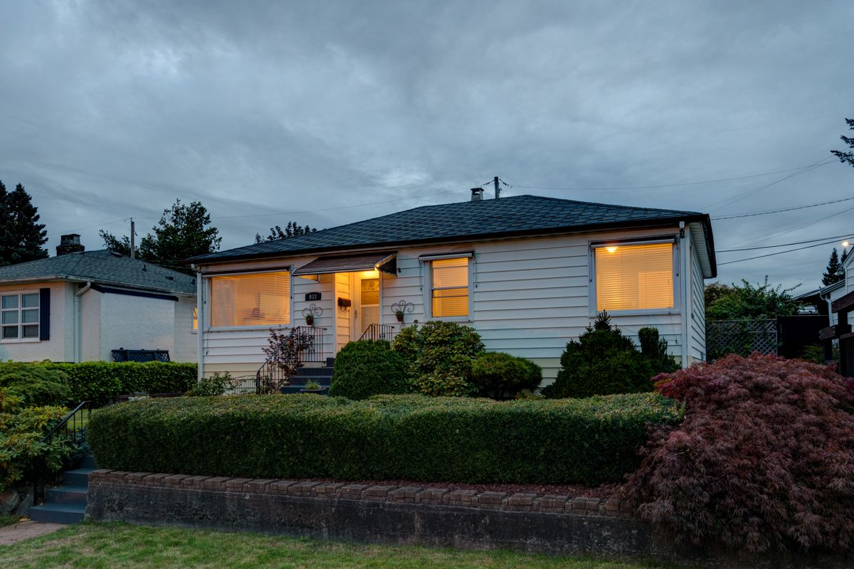 "Photo 61: Photos: 933 LAUREL Street in New Westminster: The Heights NW House for sale in ""The Heights"" : MLS®# R2308868"