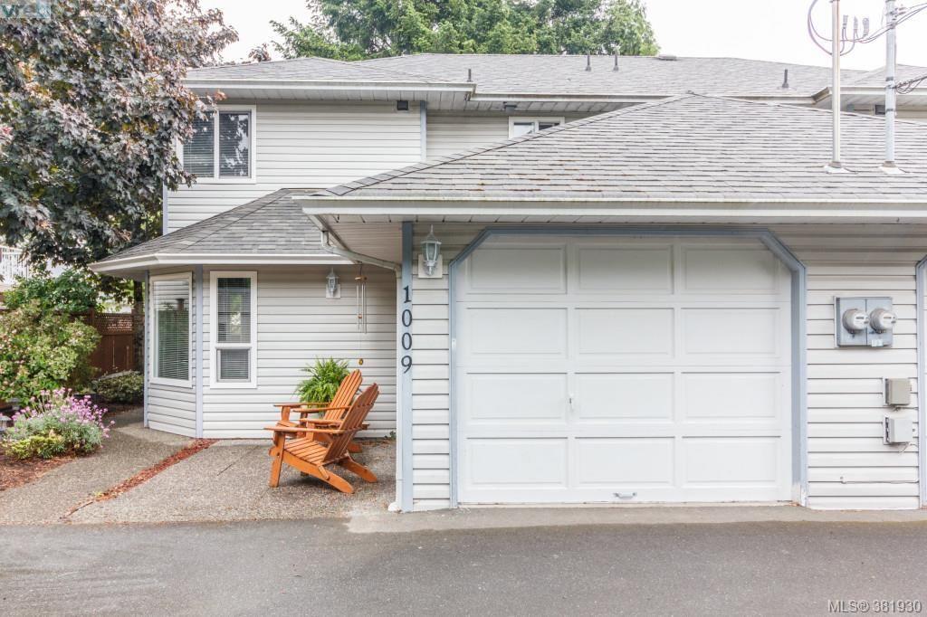 Main Photo: 1009 McCallum Rd in VICTORIA: La Florence Lake Half Duplex for sale (Langford)  : MLS®# 767328