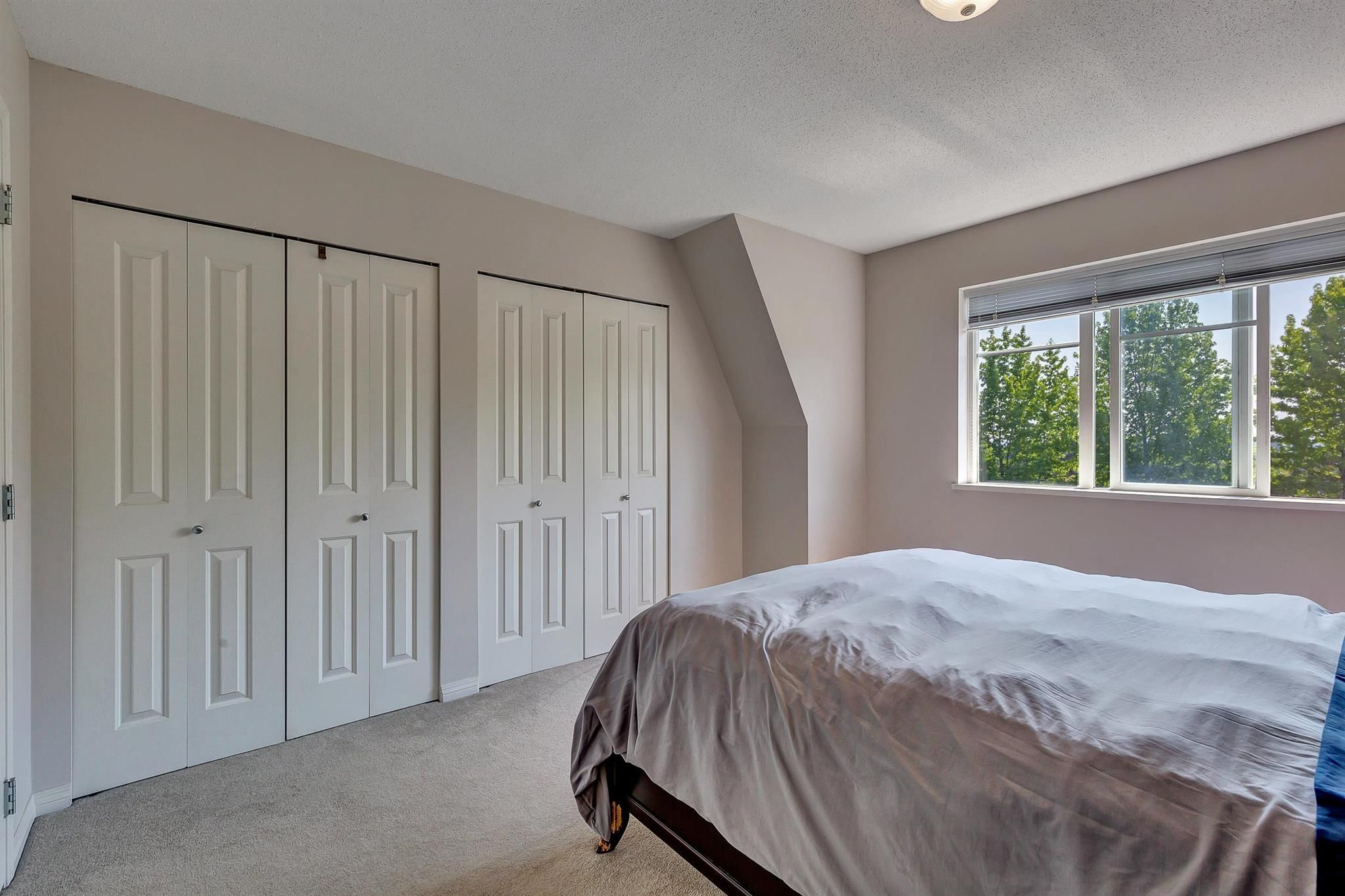"""Photo 22: Photos: 9 15871 85 Avenue in Surrey: Fleetwood Tynehead Townhouse for sale in """"Huckleberry"""" : MLS®# R2606668"""