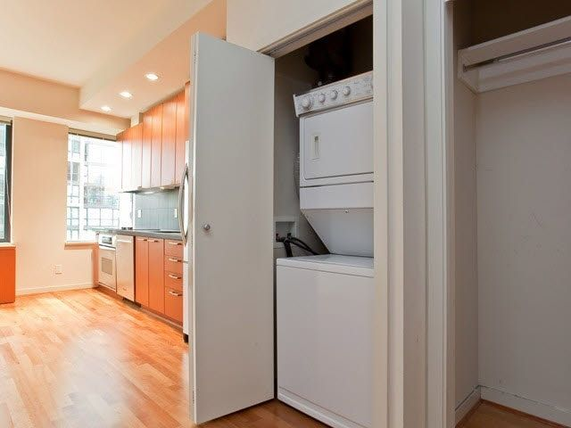 """Photo 4: Photos: 710 1333 W GEORGIA Street in Vancouver: Coal Harbour Condo for sale in """"THE QUBE"""" (Vancouver West)  : MLS®# R2420548"""