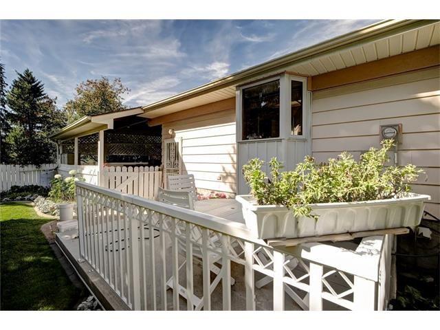 Photo 45: Photos: 210 OAKMOOR Place SW in Calgary: Oakridge House for sale : MLS®# C4091579