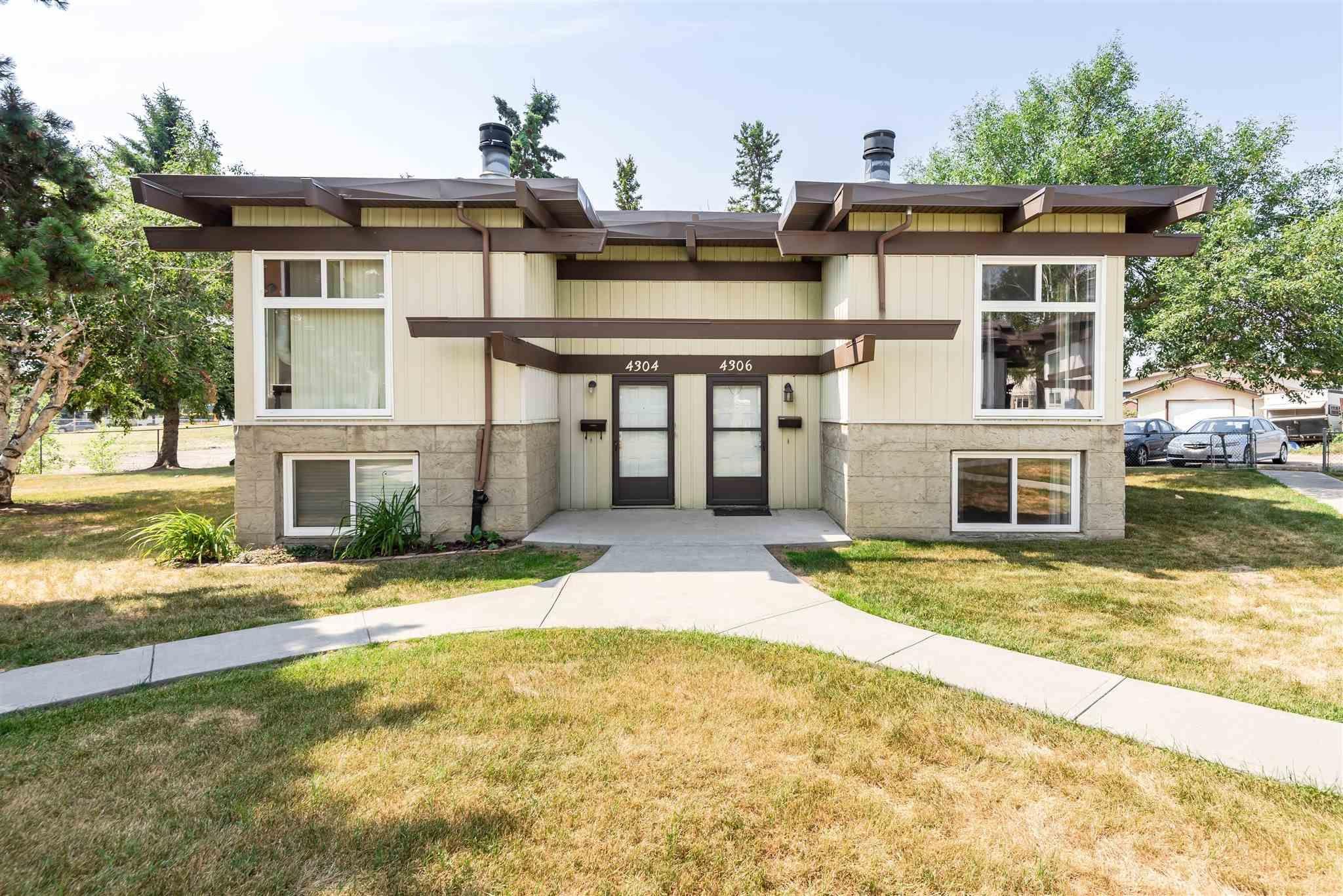 Main Photo: 4306 76 Street in Edmonton: Zone 29 House Half Duplex for sale : MLS®# E4254667