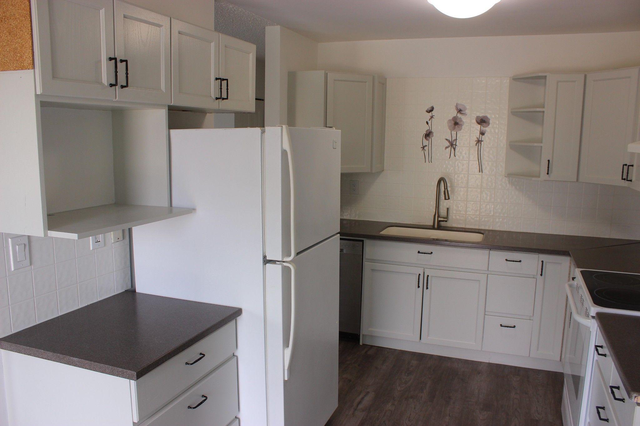 Photo 5: Photos: 317 Waddington Drive in Kamloops: Sahali 1/2 Duplex for sale : MLS®# 161942