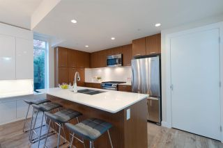 """Photo 9: TH1 2399 SCOTIA Street in Vancouver: Mount Pleasant VE Townhouse for sale in """"SOCIAL"""" (Vancouver East)  : MLS®# R2350537"""