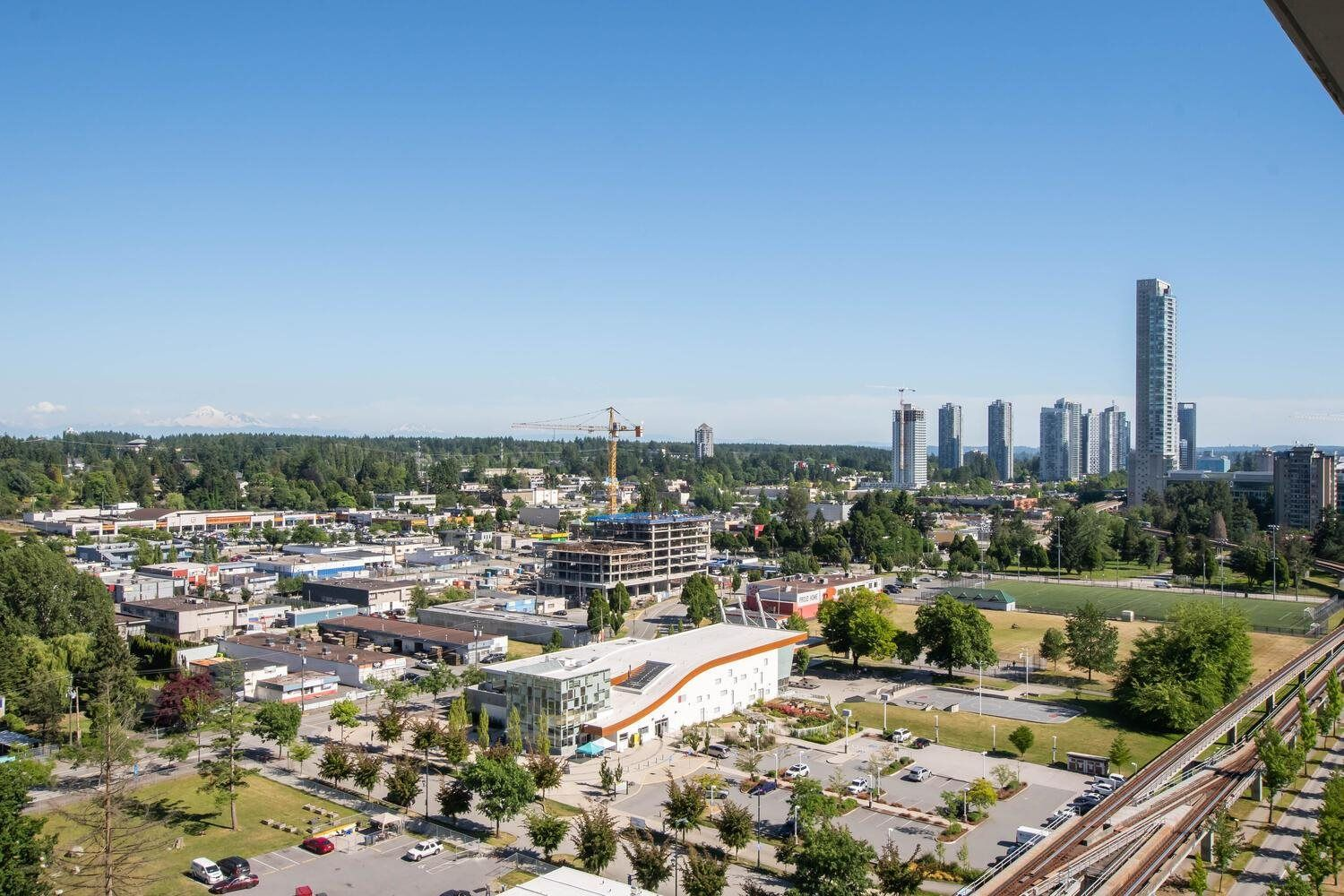 """Main Photo: 2002 10777 UNIVERSITY Drive in Surrey: Whalley Condo for sale in """"CITY POINT"""" (North Surrey)  : MLS®# R2595806"""
