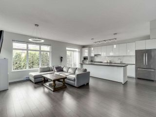 """Photo 4: 14 3400 DEVONSHIRE Avenue in Coquitlam: Burke Mountain Townhouse for sale in """"Colborne Lane"""" : MLS®# R2571443"""