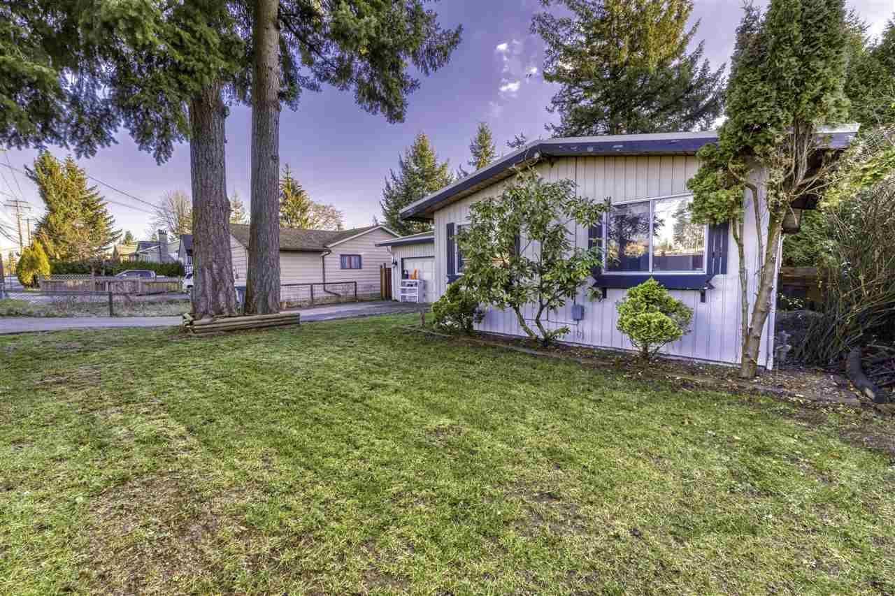 Main Photo: 15344 88 Avenue in Surrey: Fleetwood Tynehead House for sale : MLS®# R2532337