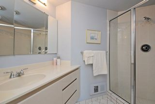 "Photo 18: 6 1717 DUCHESS Avenue in West Vancouver: Ambleside Condo for sale in ""THE REGENT"" : MLS®# R2233596"