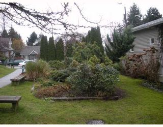 """Photo 10: 1558 BOWSER Avenue in North Vancouver: Norgate Townhouse for sale in """"ILLAHEE"""" : MLS®# V803021"""