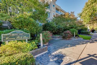 Photo 34: 102 1025 Meares St in Victoria: Vi Downtown Condo for sale : MLS®# 858477
