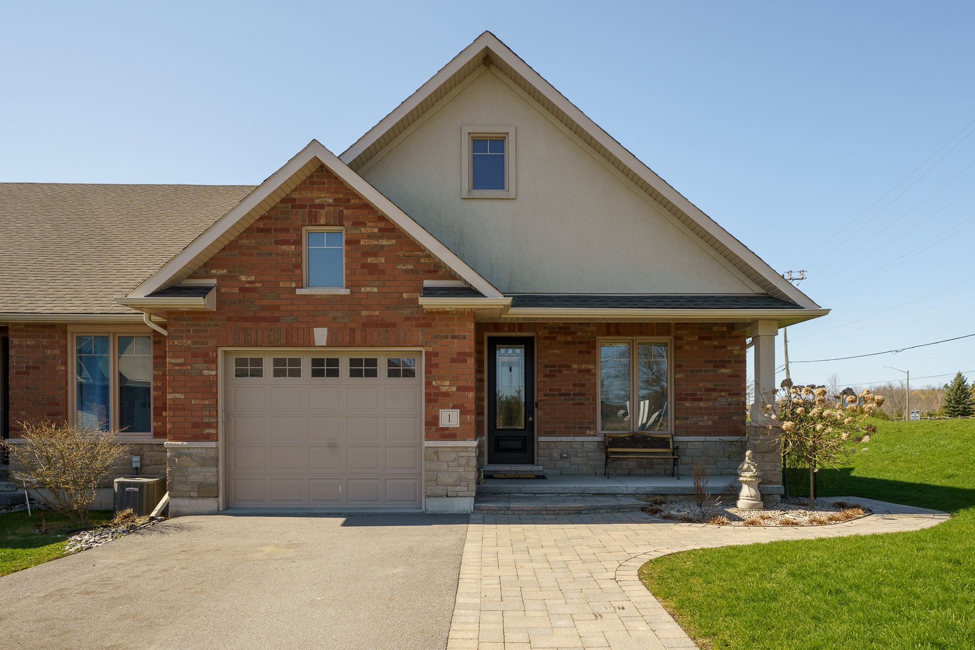Main Photo: 1 Kingfisher Drive in Quinte West: House for sale : MLS®# 40110092