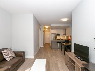 """Photo 4: 211 3399 NOEL Drive in Burnaby: Sullivan Heights Condo for sale in """"CAMERON"""" (Burnaby North)  : MLS®# R2465888"""