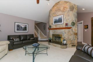 Photo 3: 4523 DAWN PLACE in Delta: Holly House  (Ladner)  : MLS®# R2032426