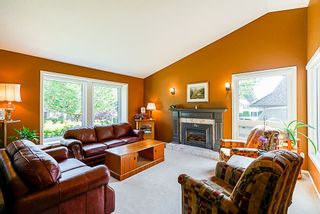 """Photo 2: 8034 150 Street in Surrey: Bear Creek Green Timbers House for sale in """"Mourningside Estates"""" : MLS®# R2293254"""