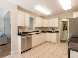 """Photo 12: 305 1150 LYNN VALLEY Road in North Vancouver: Lynn Valley Condo for sale in """"The Laurels"""" : MLS®# R2496029"""
