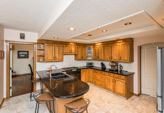Photo 10: 519 Woodhaven Bay SW in Calgary: Woodbine Detached for sale : MLS®# A1130696