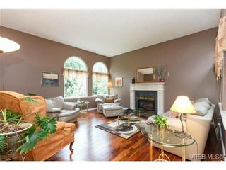Photo 3: 6710 Tamany Dr in VICTORIA: CS Tanner House for sale (Central Saanich)  : MLS®# 704095