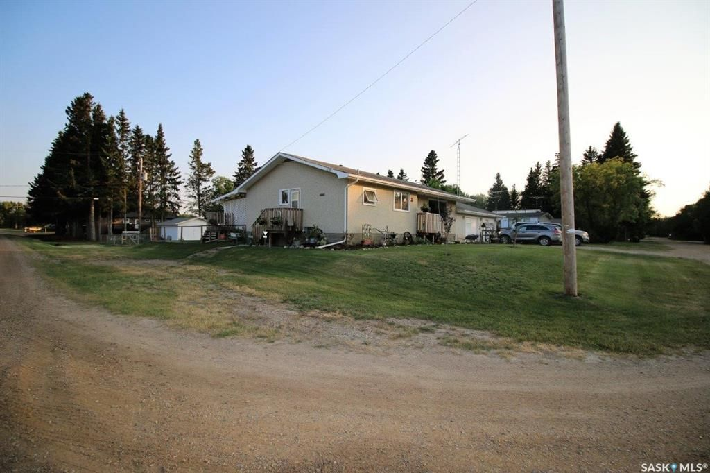 Main Photo: 401 4th Avenue in Medstead: Residential for sale : MLS®# SK863697