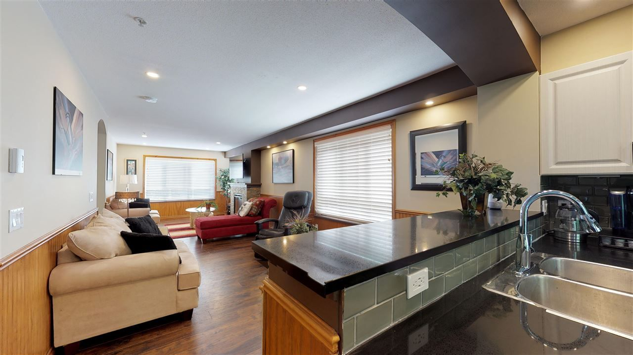 """Main Photo: 138 6747 203 Street in Langley: Willoughby Heights Townhouse for sale in """"Sagebrook"""" : MLS®# R2396835"""