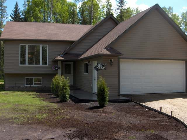 Main Photo: 8235 Glenwood Drive Drive in Edson: Glenwood Country Residential for sale : MLS®# 30297