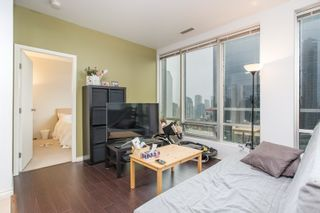 """Photo 3: 1602 989 NELSON Street in Vancouver: Downtown VW Condo for sale in """"The Electra"""" (Vancouver West)  : MLS®# R2431678"""