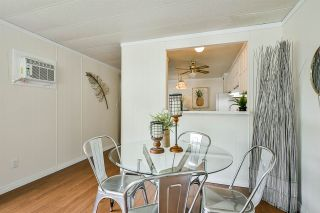 """Photo 12: 115 11930 PINYON Drive in Pitt Meadows: Central Meadows Manufactured Home for sale in """"Meadow Highlands Park"""" : MLS®# R2477089"""