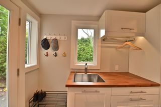 Photo 10: 1265 Topaz Ave in Victoria: Vi Hillside House for sale : MLS®# 860939