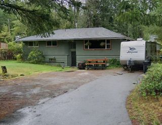 Main Photo: 41844 GOVERNMENT Road in Squamish: Brackendale House for sale : MLS®# R2618846