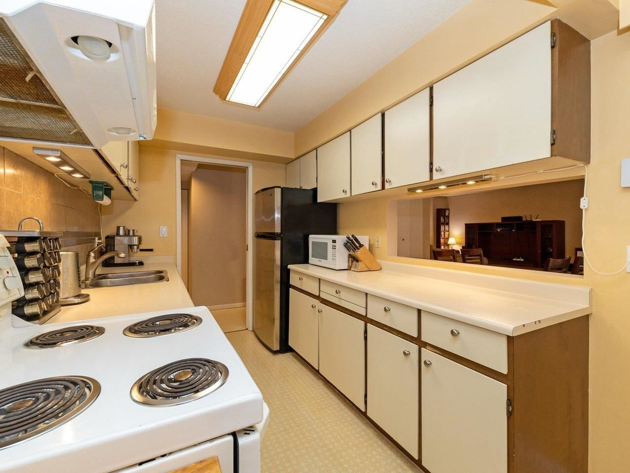 """Photo 9: Photos: 35 9101 FOREST GROVE Drive in Burnaby: Forest Hills BN Townhouse for sale in """"ROSSMOOR"""" (Burnaby North)  : MLS®# R2616608"""