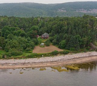 Photo 1: 1660 NEW CAMPBELLTON Road in Cape Dauphin: 209-Victoria County / Baddeck Residential for sale (Cape Breton)  : MLS®# 202115282