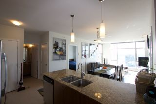"""Photo 5: 2005 280 ROSS Drive in New Westminster: Fraserview NW Condo for sale in """"THE CARLYLE ON VICTORIA HILL"""" : MLS®# R2563720"""