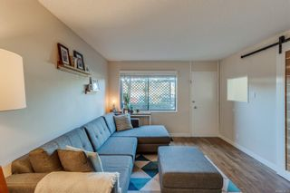 Photo 2: 5 477 Lampson St in : Es Old Esquimalt Condo for sale (Esquimalt)  : MLS®# 859012
