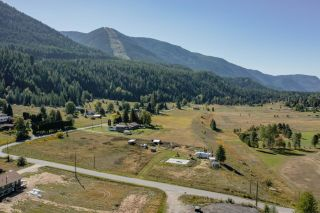 Photo 2: 957 DIVISION ROAD in Castlegar: Vacant Land for sale : MLS®# 2461253