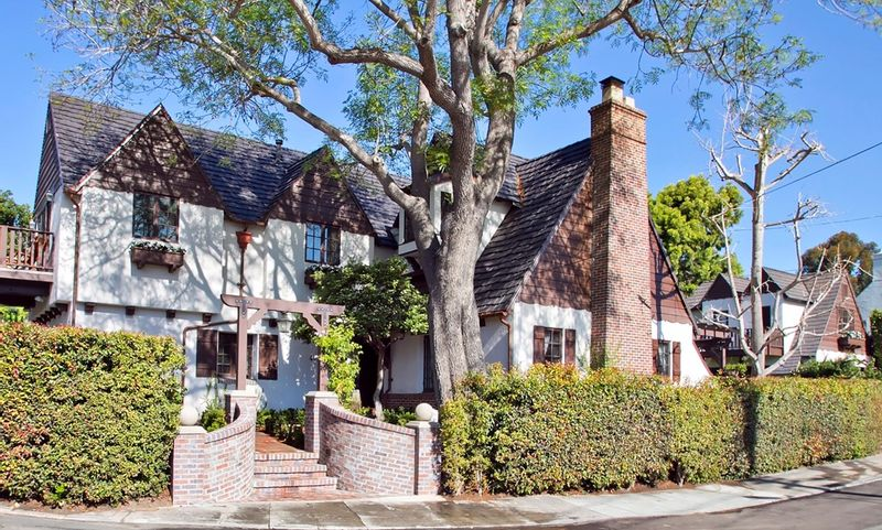 FEATURED LISTING: 4030 Sunset Rd San Diego