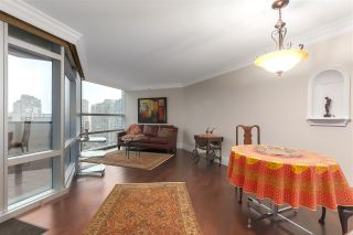 """Photo 11: 2007 1050 BURRARD Street in Vancouver: Downtown VW Condo for sale in """"Wall Centre"""" (Vancouver West)  : MLS®# R2324699"""
