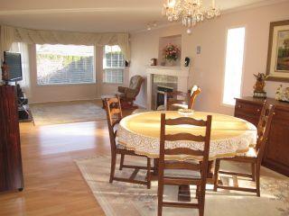 Photo 4: 12131 221 Street in Maple Ridge: West Central 1/2 Duplex for sale : MLS®# R2339405