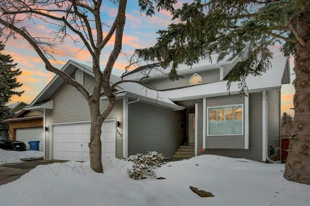 Main Photo: 140 Stratton Crescent SW in Calgary: Strathcona Park Detached for sale : MLS®# A1072152