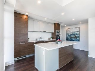 """Photo 7: 2205 285 E 10TH Avenue in Vancouver: Mount Pleasant VE Condo for sale in """"The Independent"""" (Vancouver East)  : MLS®# R2599683"""