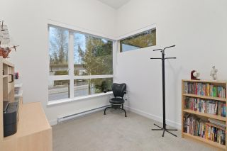 """Photo 16: 5413 LOUGHEED Highway in Burnaby: Parkcrest Townhouse for sale in """"SEASONS"""" (Burnaby North)  : MLS®# R2516986"""