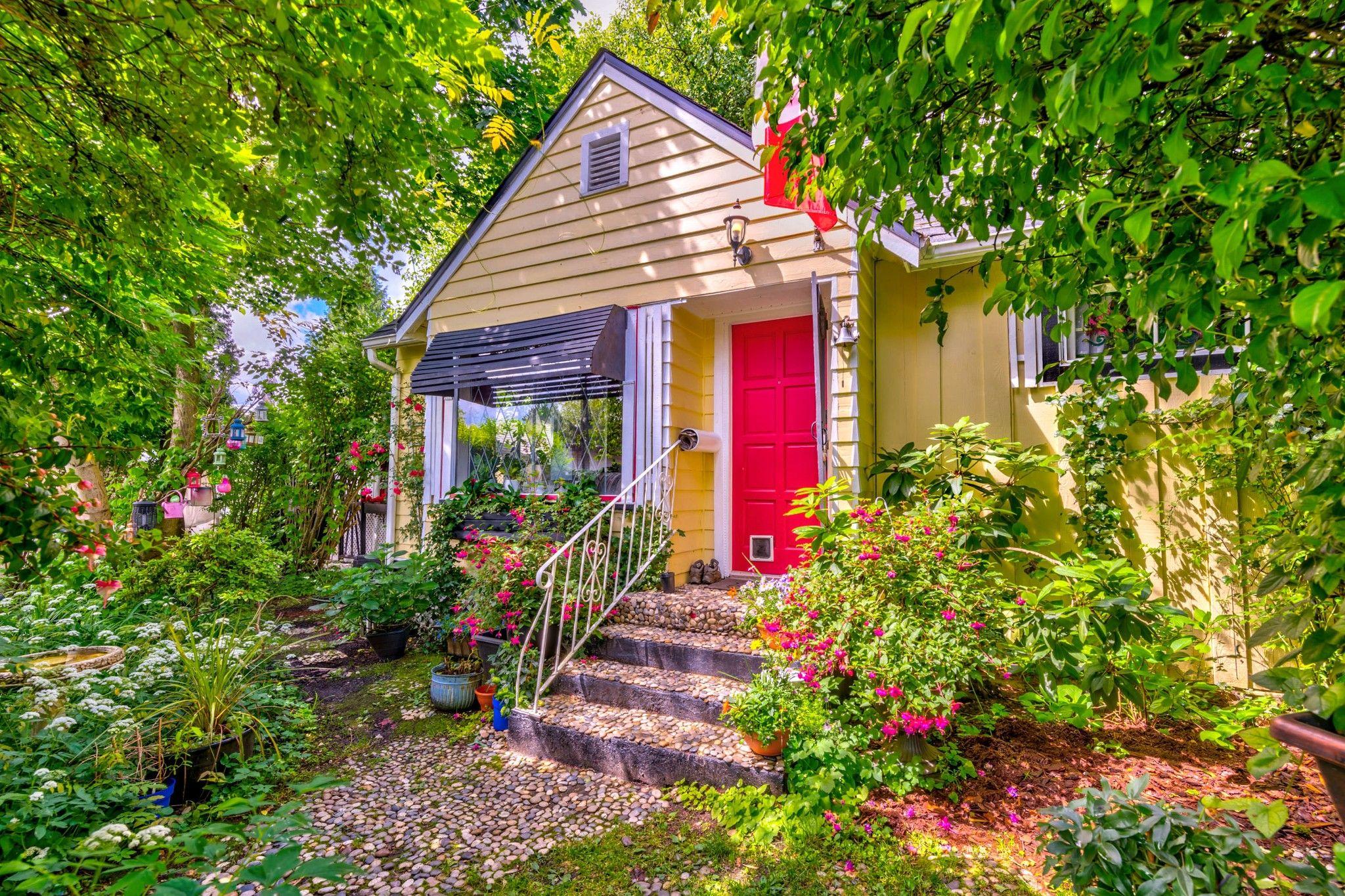 Photo 4: Photos: 20623 114 Avenue in Maple Ridge: Southwest Maple Ridge House for sale : MLS®# R2465656