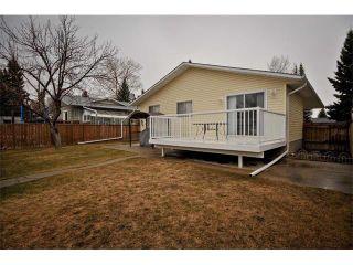 Photo 2: 3307 48 Street NE in Calgary: Whitehorn House for sale : MLS®# C4003900