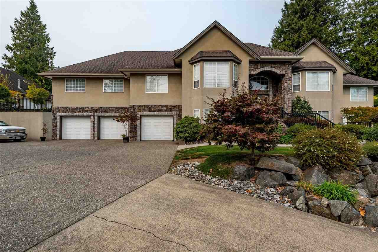 Main Photo: 1507 CLEARBROOK Road in Abbotsford: Poplar House for sale : MLS®# R2585146