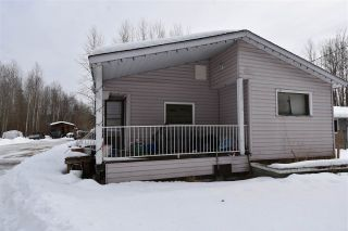 """Photo 2: 650 FIR Street in Quesnel: Red Bluff/Dragon Lake Manufactured Home for sale in """"RED BLUFF"""" (Quesnel (Zone 28))  : MLS®# R2546733"""