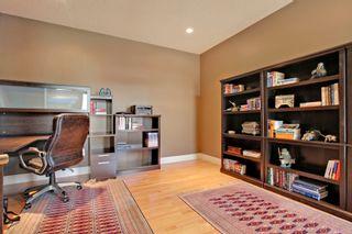 Photo 4: 147 Discovery Ridge Way SW in Calgary: 2 Storey for sale : MLS®# C3618170