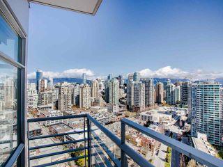 "Photo 10: 3202 198 AQUARIUS Mews in Vancouver: Yaletown Condo for sale in ""Aquarius2"" (Vancouver West)  : MLS®# R2450053"