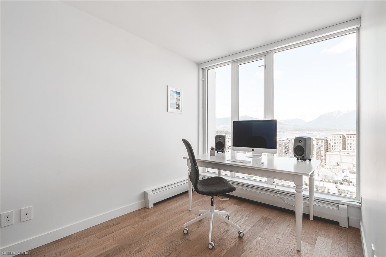"""Photo 10: Photos: 1806 188 KEEFER Street in Vancouver: Downtown VE Condo for sale in """"188 KEEFER"""" (Vancouver East)  : MLS®# R2257646"""