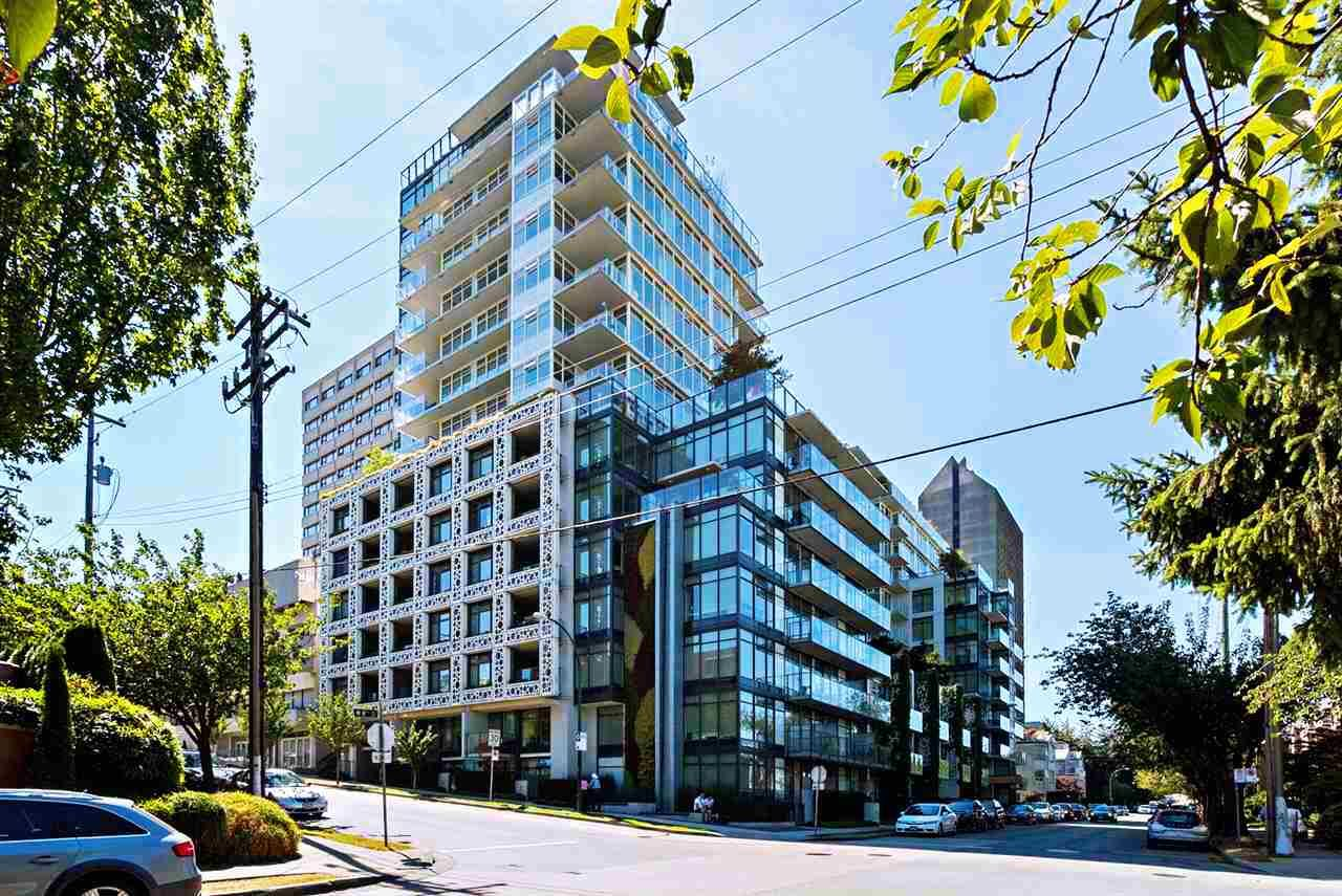 """Main Photo: 2405 HEATHER Street in Vancouver: Fairview VW Townhouse for sale in """"700 WEST 8TH"""" (Vancouver West)  : MLS®# R2366688"""