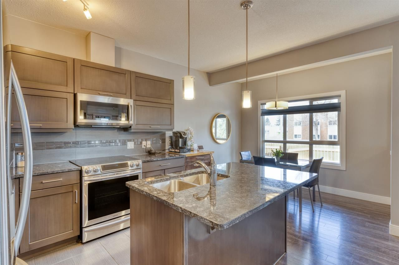 Main Photo: 13103 132 Avenue in Edmonton: Zone 01 Townhouse for sale : MLS®# E4236536
