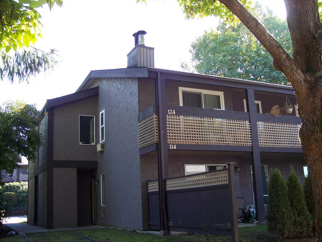 """Main Photo: 124 34909 OLD YALE Road in Abbotsford: Abbotsford East Townhouse for sale in """"The Gardens"""" : MLS®# R2213334"""