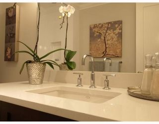 """Photo 10: #2 1891 Marine in West Vancouver: Ambleside Condo for sale in """"Park view place"""" : MLS®# V796758"""